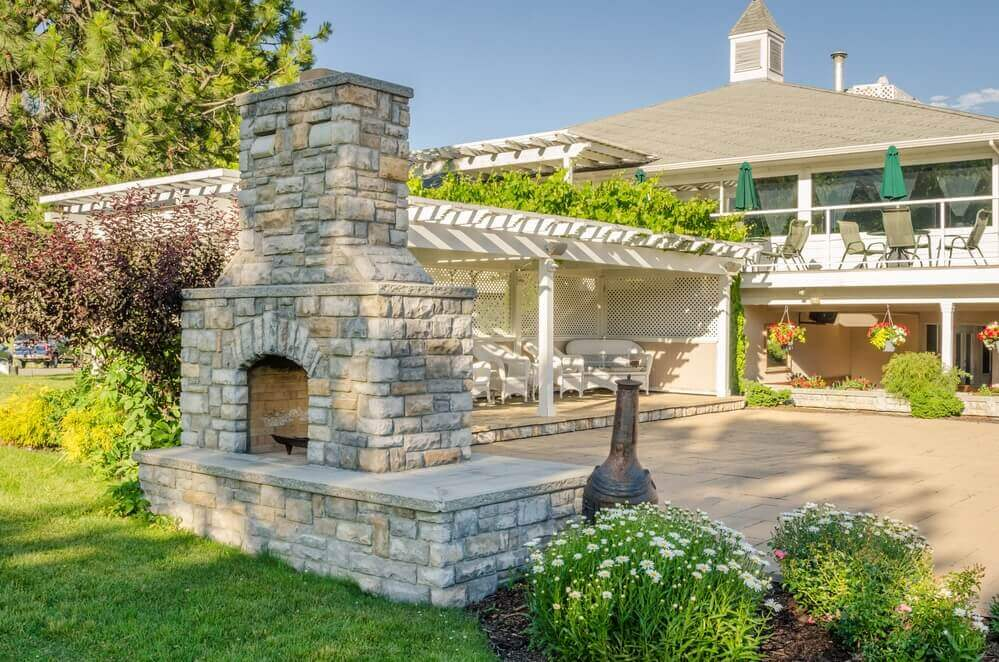 how to incorportae an outdoor fireplace in your yard