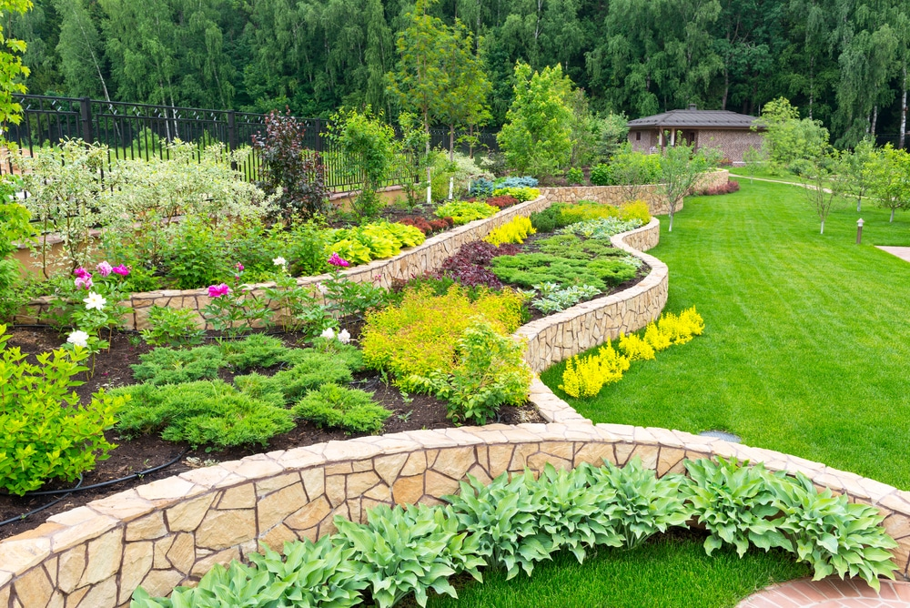 Themes for Spring Landscaping Preparation | LaytonScape